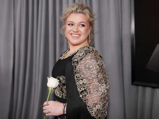 'Love So Soft' nominee Kelly Clarkson carries a symbolic