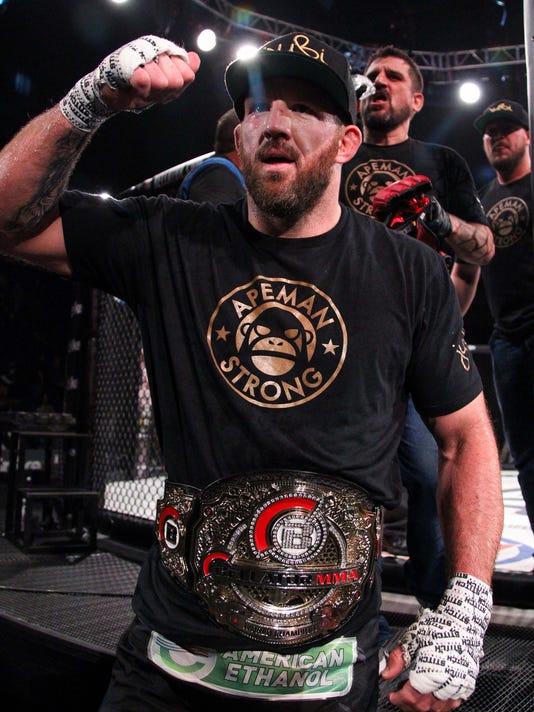 MMA: Bellator 186-Ryan Bader vs Linton Vassell