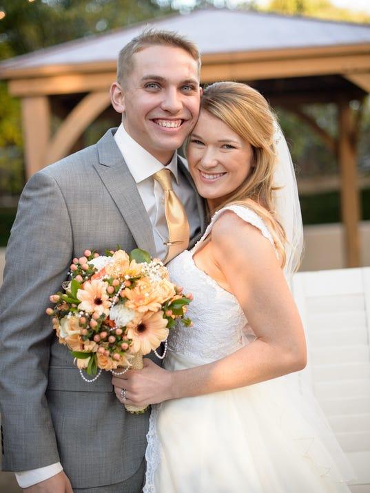 636078222377151956-DCA-0827-Hood-Schultz-wedding.jpg