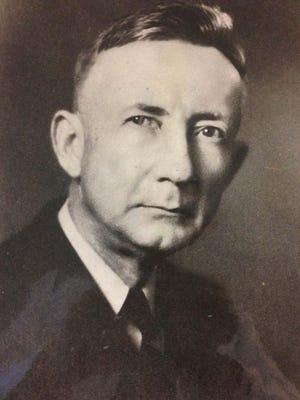 Tom Hamilton, Chronicle editor