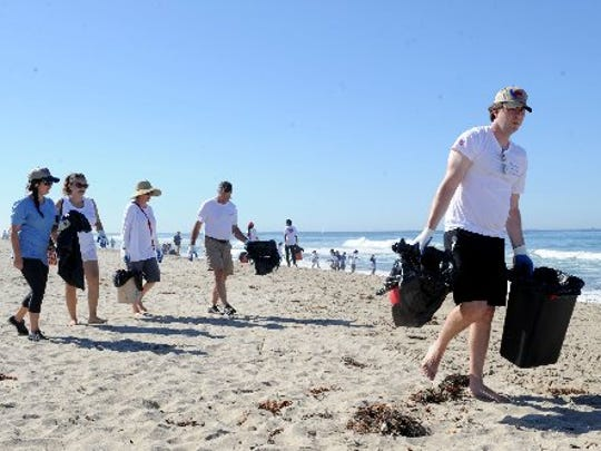 Volunteers take part in the 2015 California Coastal Cleanup Day.