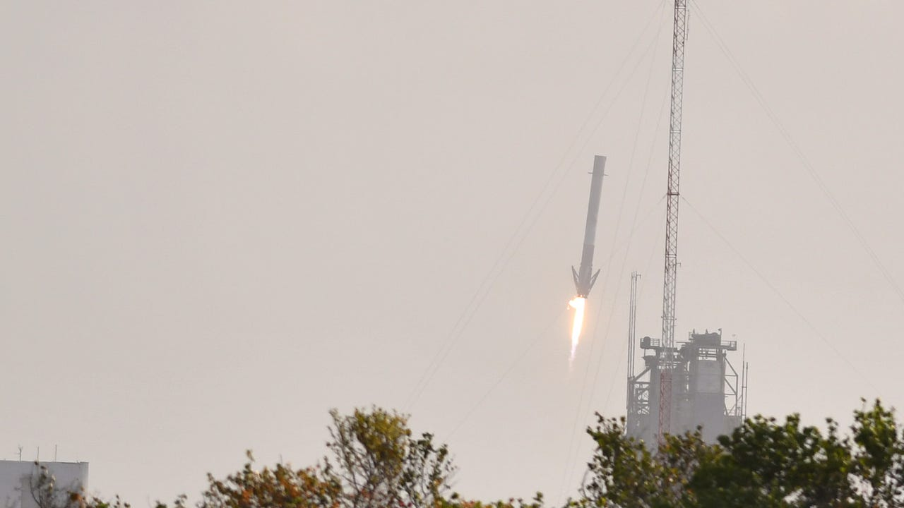 SpaceX launches Falcon 9 from KSC, nails landing