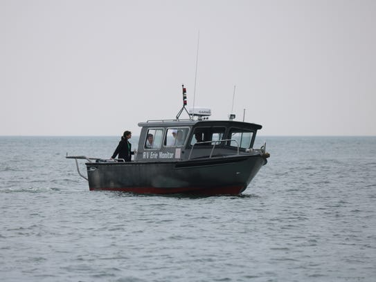Researchers head out from Stone Lab on Gibraltar Island