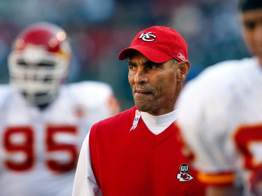Herm Edwards must find a way to use his NFL experience