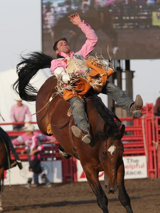 -great_falls_rodeo_thursday_2.jpg_20140731.jpg