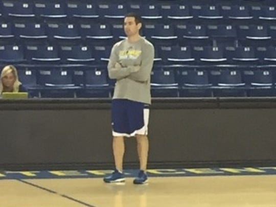 Martin Ingelsby guides the Blue Hens during practice