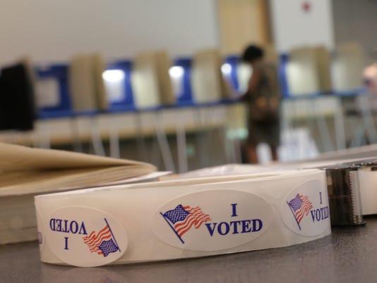 636136355295808894-080216-voting-polls-rg-03.jpg