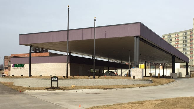Earlham Savings Bank will open a new branch on Keosauqua Way on Monday. The site formerly housed the Greyhound bus depot.