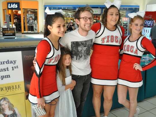 (From left) Stephanie Arellano, Kayli Jo Mathews, Taylor Mathews, Macie Poe and Gracie Daigrepont pose together at The Alexandria Mall.