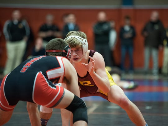 Ross' Jake Gentry pairs up against Circleville's Nate