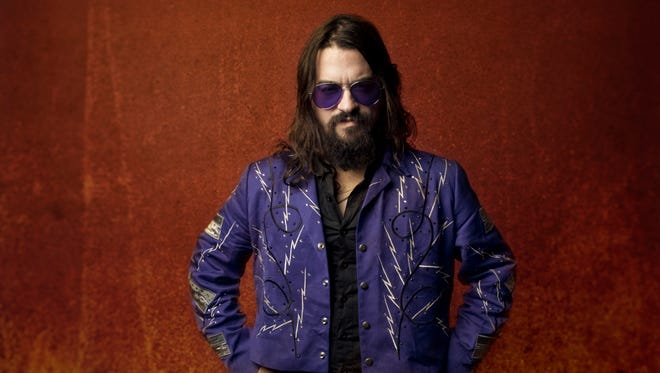 Shooter Jennings rides into town for a show at Fifth and Thomas on Friday.
