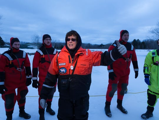 Susan Atlas, ice water reduce instructor, briefs the