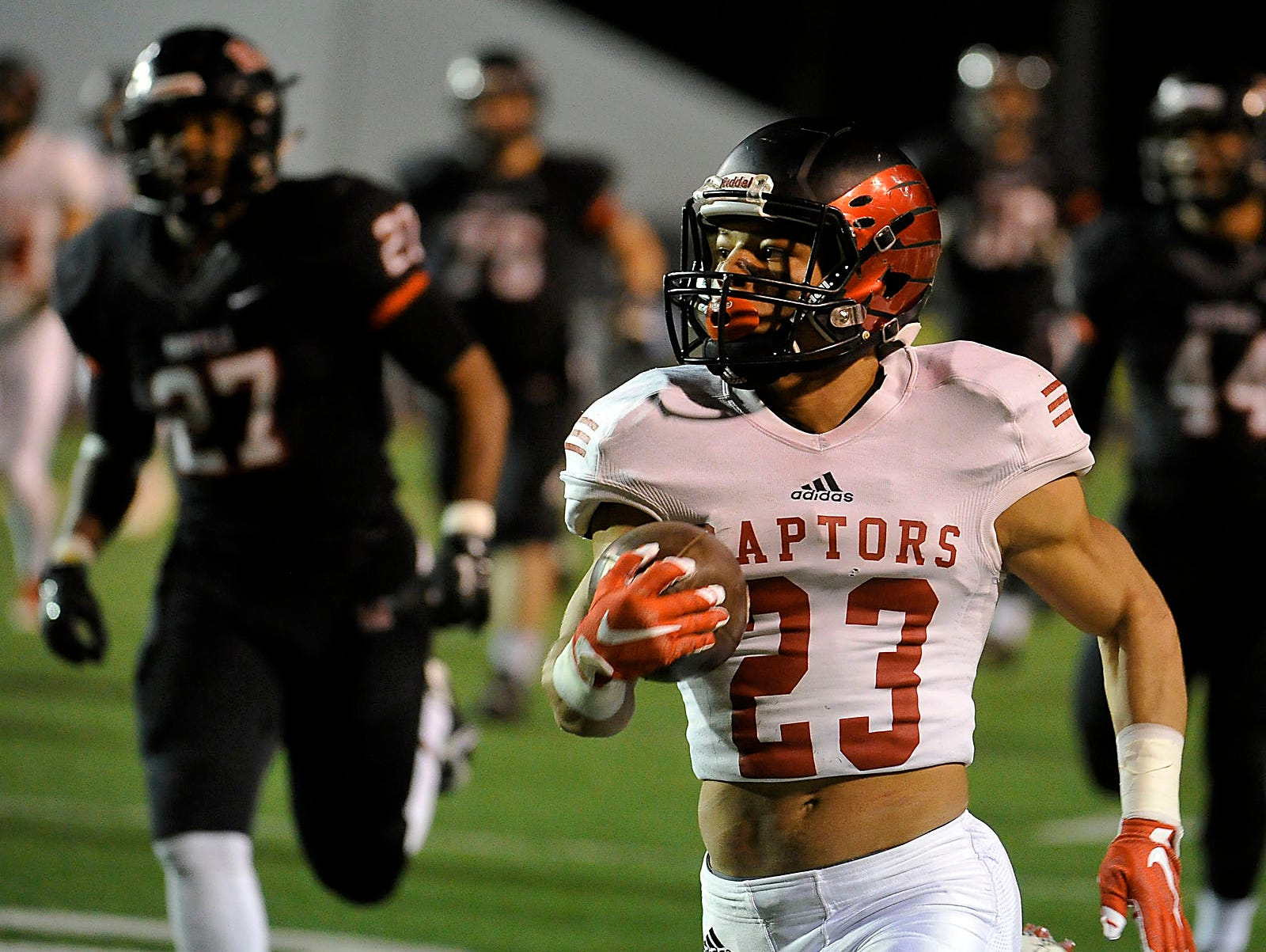 Ravenwood's Chris Rowland (23) sprints for a touchdown against Maryville in the second quarter of the Class 6A BlueCross Bowl on Dec. 5, 2015, in Cookeville.