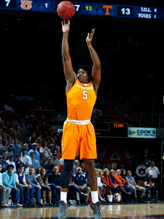 Tennessee forward Admiral Schofield (5) shoots against Auburn in the first half of their NCAA college basketball game on Tuesday, Jan. 31, 2017 in Auburn, Ala. (Todd J. Van Emst/Opelika-Auburn News via AP)