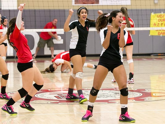 Palm Desert plays Palm Springs in DVL volleyball