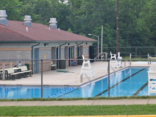 The Richmond Parks and Recreation Department has decided to offer concessions at Cordell Municipal Pool this summer after initially announcing it wouldn't do so because of budget cuts.
