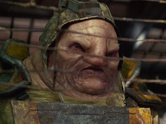 Unkar Plutt (Simon Pegg) is a junk boss at Jakku's