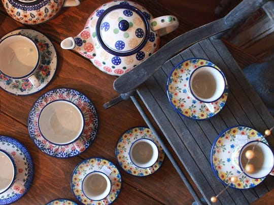 Polish pottery tea sets
