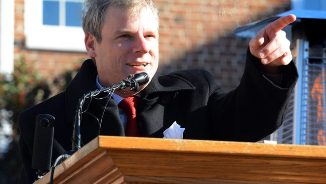 York City Mayor Michael Helfrich gives a speech after taking the oath of office during a ceremony outside City Hall Tuesday, Jan 2, 2017. Helfrich is the 25th mayor of York. Bill Kalina photo