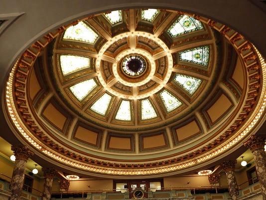 635605517189774099-Capitol-dome
