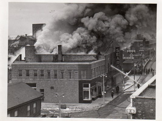 635875966303452138-Sears-Fire.jpg