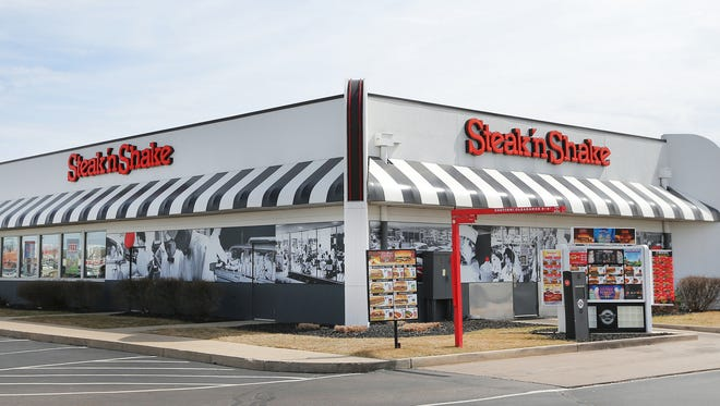 A Steak n' Shake restaurant sits on 96th Street just west of I-69 in Indianapolis.