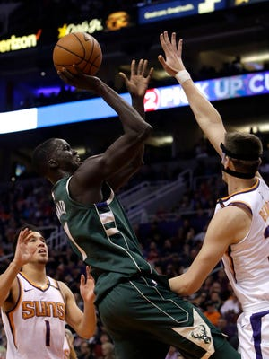 Bucks center Thon Maker hit some big midrange shots on Wednesday night in Phoenix.