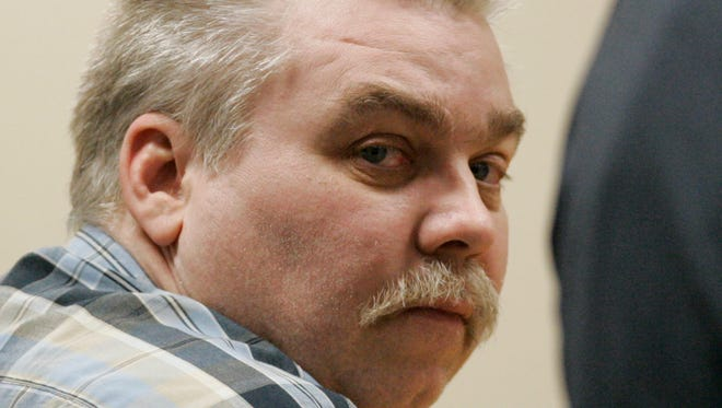 Steven Avery looks around a courtroom in the Calumet County Courthouse before the verdict was read in his murder trial Sunday, March 18, 2007, in Chilton, Wis. Avery was found guilty Sunday of first-degree intentional homicide in the murder of photographer Teresa Halbach, 25, on Oct. 31, 2005 near the family's auto salvage lot in rural Manitowoc County.