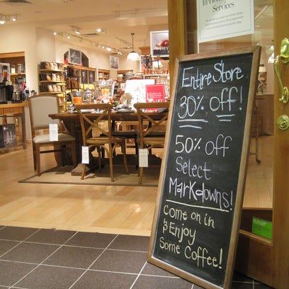 Williams-Sonoma in Burlington Town Center mall is closing