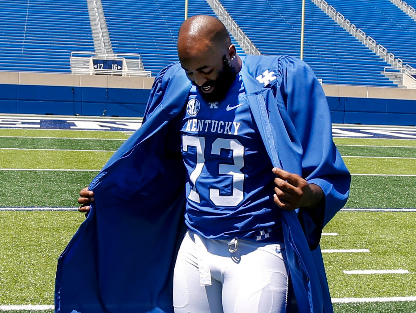 Kentucky's Kyle Meadows gets ready for his senior graduation photo. July 30, 2017