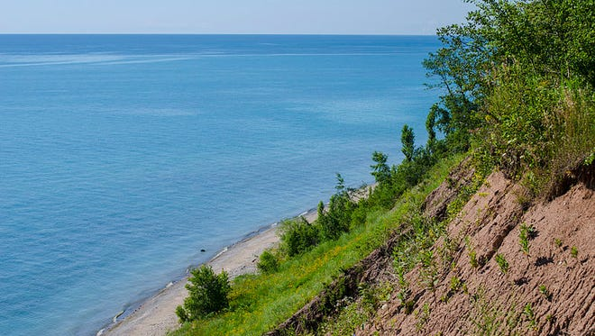 Like other Great Lakes, what we now know as Lake Michigan was once a river valley until massive continental glaciers came along thousands of years ago.