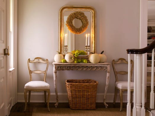 Best paint color for a quick home sale white for Benjamin moore paint colors 2014
