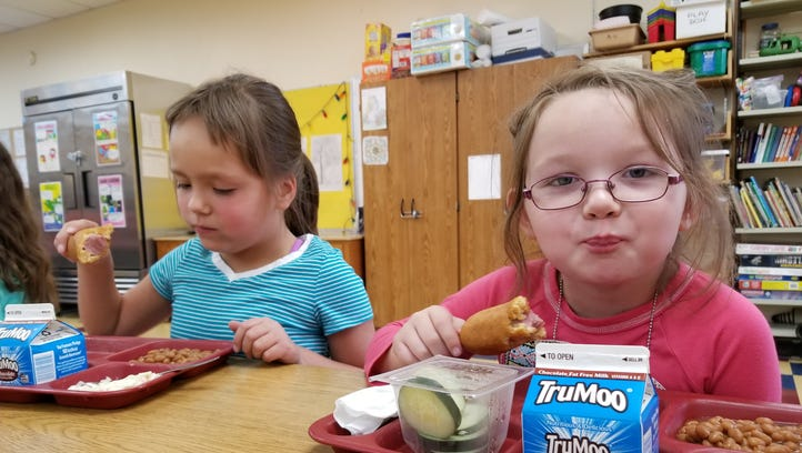 Mountain View 1st graders Taylor Lassila and Freya
