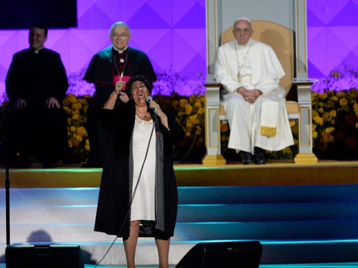 Pope Francis watches Aretha Franklin sing at the Festival