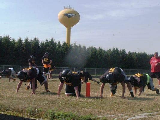 -KEW 0807 Algoma Football 2.jpg_20140808.jpg