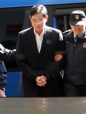 Lee Jae-yong, vice president of Samsung Electronics and Samsung Group's heir apparent, arrives at the special prosecutor's office in Seoul on Feb. 25, 2017.