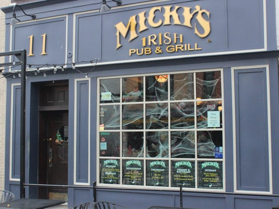 Micky's Irish Pub