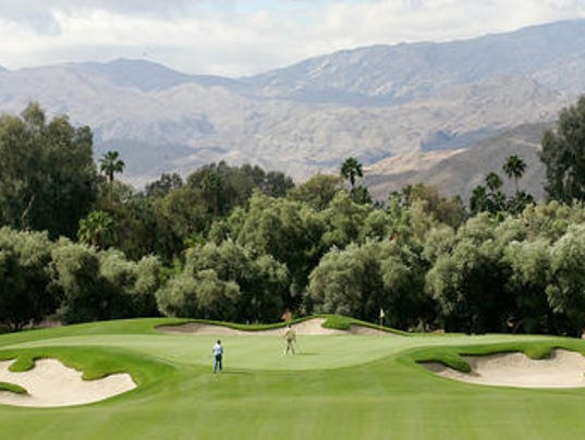 Put away the clubs obama it 39 s going to rain on your palm for Plush pad palm springs