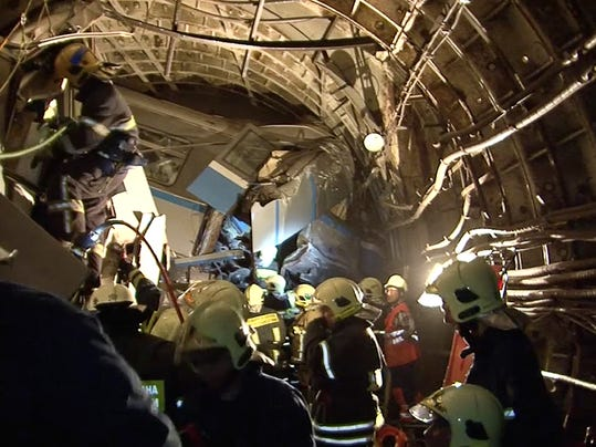 CORRECTION Russia Subway Derailment