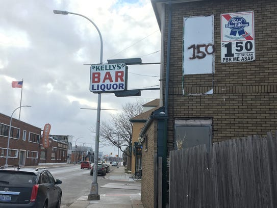 Kelly's Bar seen Jan. 18, 2016 on 2403 Holbrook Avenue