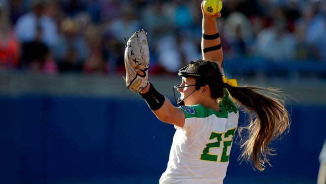 Oregon's Megan Kleist pitches against Washington  during an NCAA Women's College World Series softball game in Oklahoma City, Thursday, June 1, 2017. (Bryan TerryThe Oklahoman via AP)