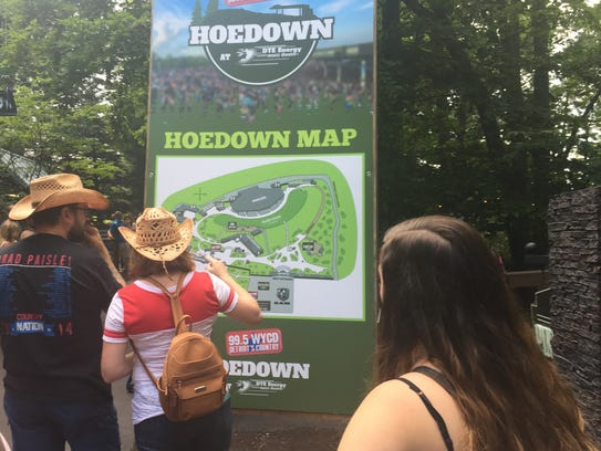 Fans get the lay of the land at the WYCD Hoedown's