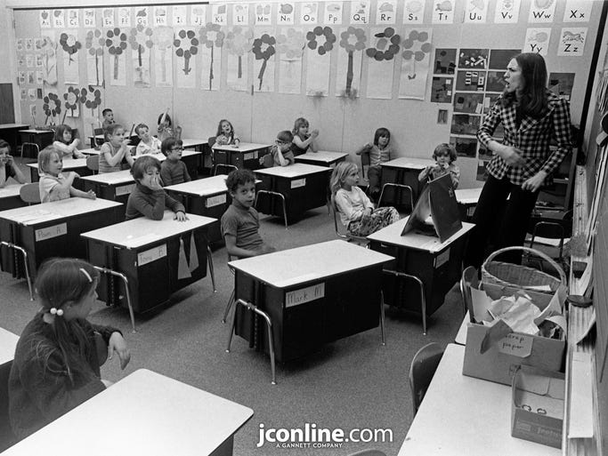Jackie Knight leads a counseling program at Washington Elementary aimed at helping kids make a success of school. Photo taken April 28, 1974.