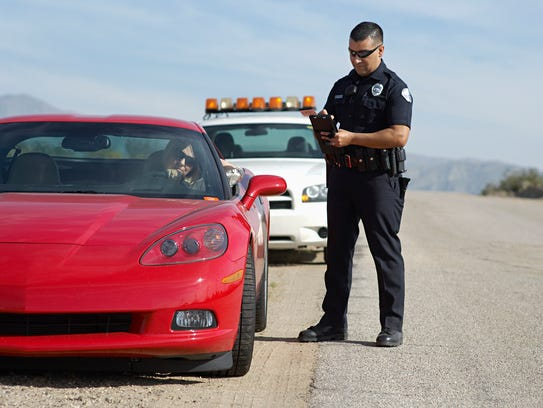 Cops Pulling You Over : What to do if cops pull you over