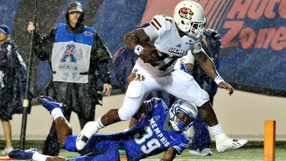 Derrick Gore (27) led ULM with 585 yards rushing and six touchdowns. The Alabama transfer also caught 13 passes for 174 yards and an additional touchdown.