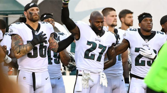 NFL players remind world that Eagles didn't actually kneel during the anthem last season