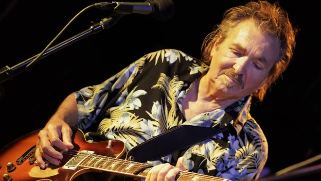 Arizona Blues Hall of Fame guitarist Jim Glass dies at 70.