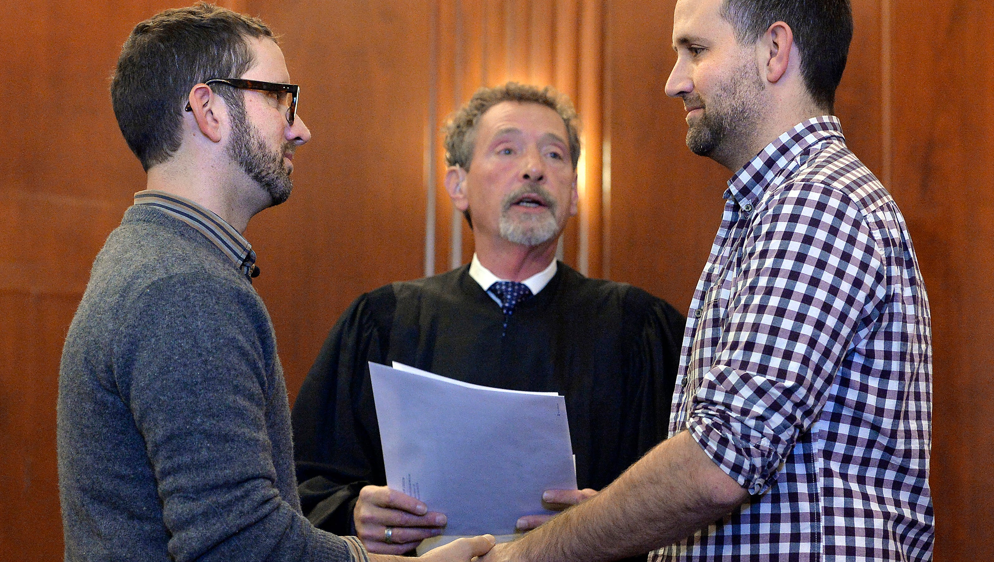 Same-sex marriages cleared in Kansas, Missouri