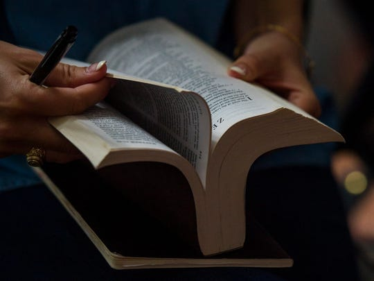 A lawsuit claims Smith County school officials engage in unconstitutional practices including school-sponsored prayer during assemblies and Bible distribution during classes.
