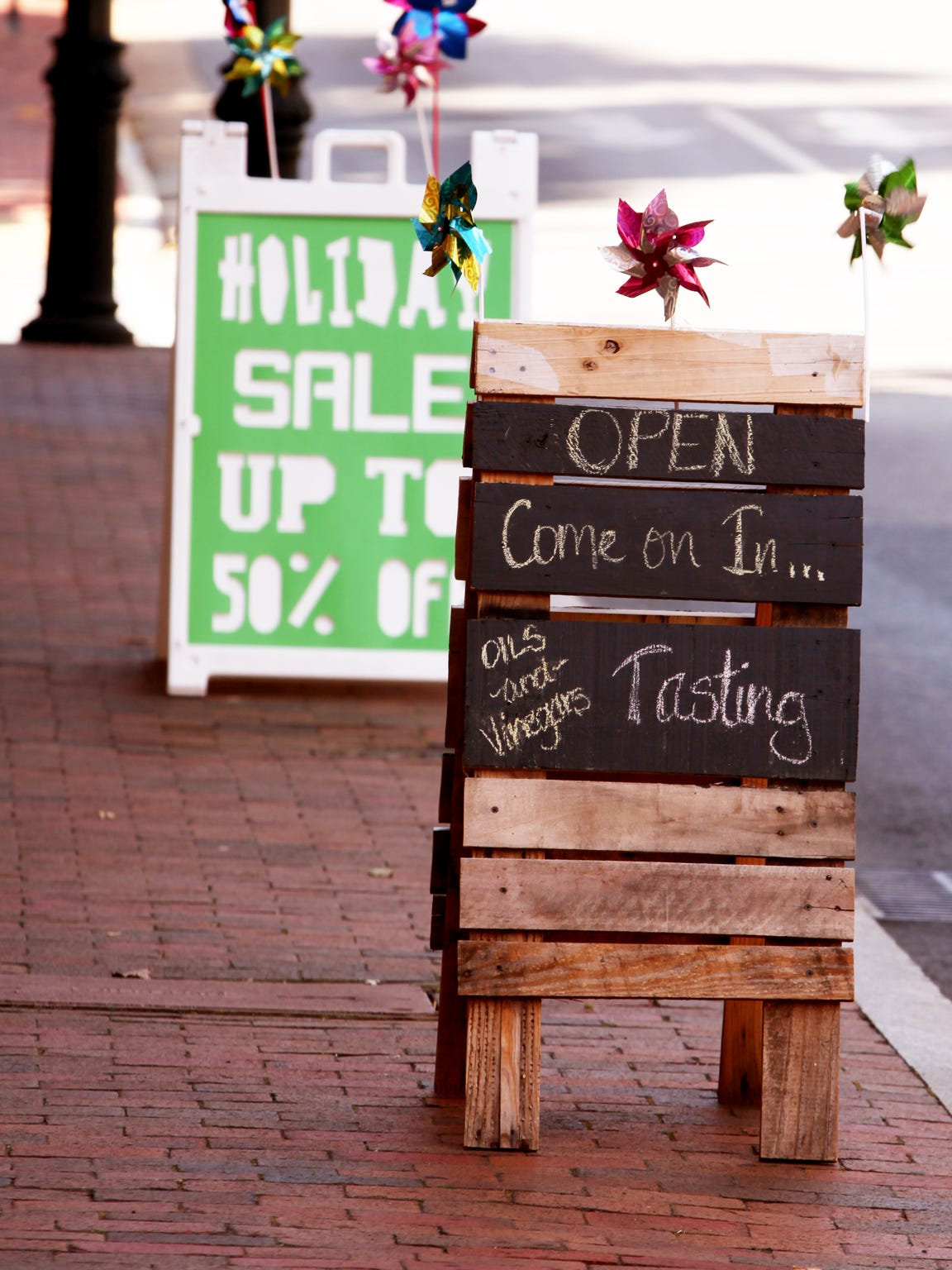 Downtown businesses advertise to shoppers in Staunton